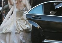 carrie bradshaws vivienne westwood wedding dress sells out Carrie Bradshaw Wedding Dresses