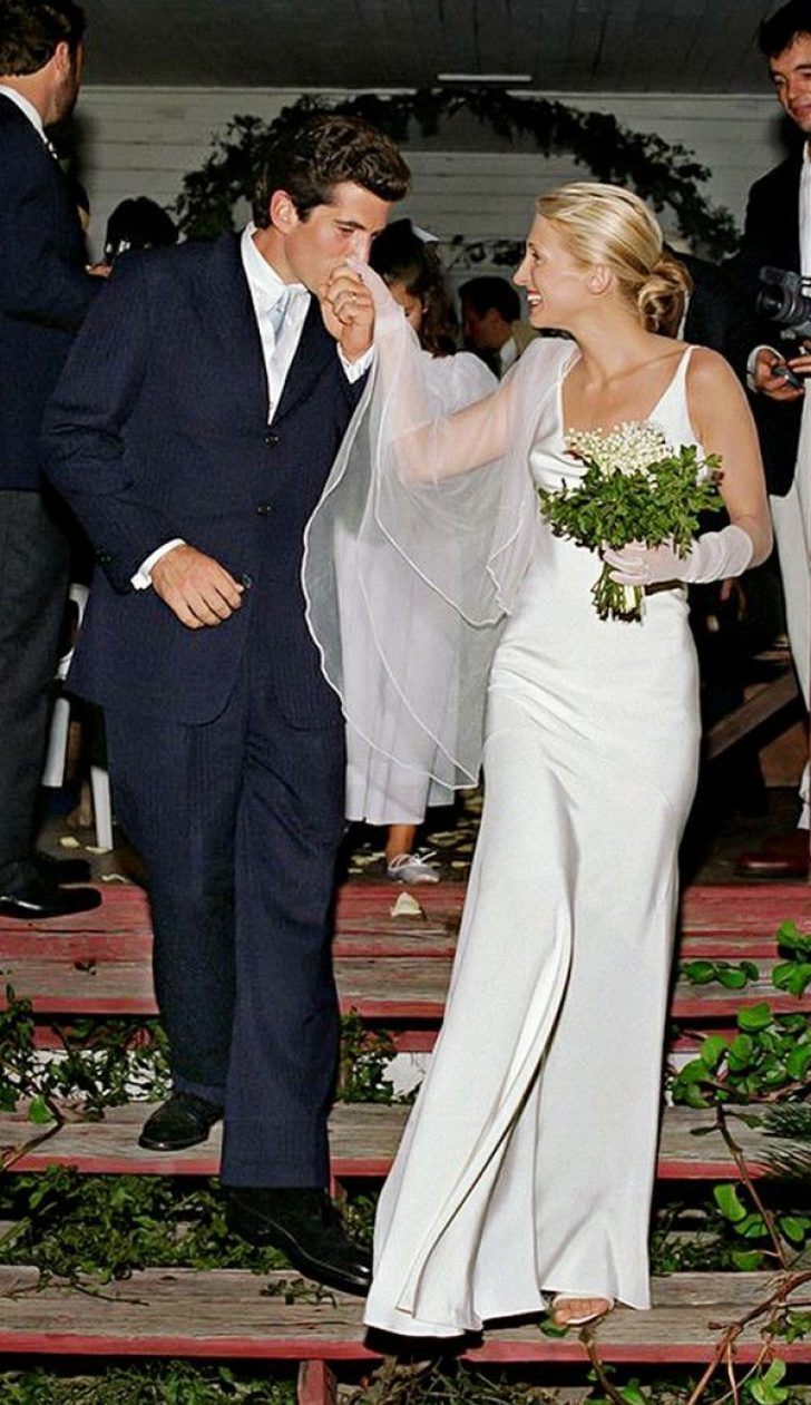 Permalink to Pretty Carolyn Bessette Kennedy Wedding Dress Ideas