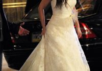 leighton meester as blair waldorf in her first wedding dress Blair Waldorf Wedding Dress