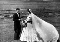 little known facts about the wedding of jfk and jackie Jacqueline Bouvier Wedding Dress