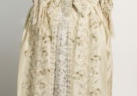 potc dead mans chest elizabeth swann wedding dress Elizabeth Swann Wedding Dress