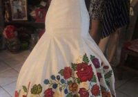 this is a beautiful bride dress from oaxaca the inspired of Oaxacan Wedding Dress